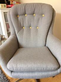 Egg style chair