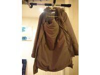 Maternity coat (with kangaroo pocket to host the baby)