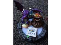 Skylanders giants game for 3DS with characters and base