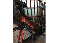 Giant defy 4 road bike as new