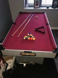 6ft Pool Table, with Curs and Balls. Immaculate Condition