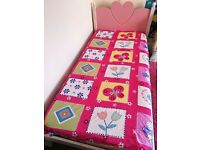 ADORABLE CHILDRENS BED/ TRUNDLE PINK HEART SHAPED
