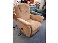 Electric riser/recliner chair in great condition