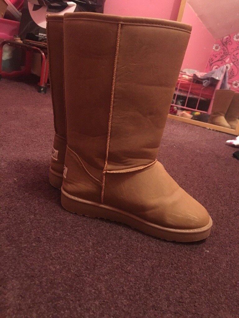 Ugg boots size 4 ladies camel colour excellent condition