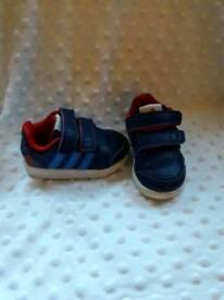 Addidas infant size 4