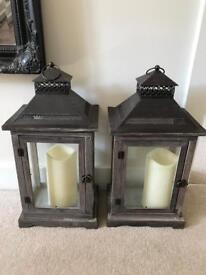 2x lanterns