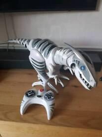 Wowwee roboraptor dinosaur remote control toy