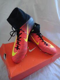 e7dd5e758023 Nike JR Mercurial Superfly V FG Kids Sock Football Boots size UK 4 worn  once RRP