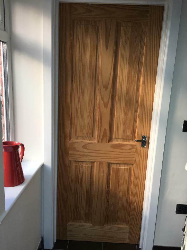 Interior Doors X 9 For Sale (8 White And 1 Wood)