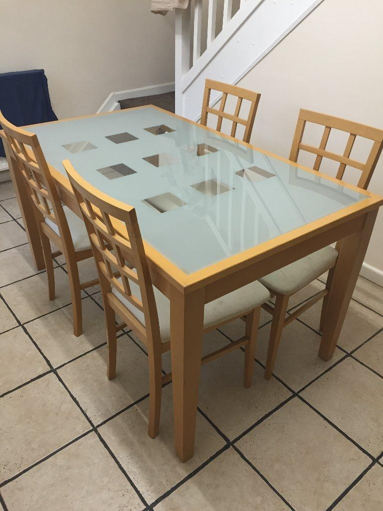 Dining room table and chairs beech with glass design for Dining room tables next