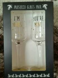 Prosecco glass pair
