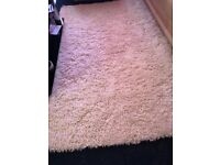 Shaggy rug like new