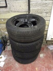 Vauxhall Insignia 17 inch steel wheels, tyres, genuine wheel trims & nuts. Ideal for winter tyres!