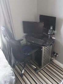 Gaming pc with 2 screens. Tower, gaming mouse and keyboard.