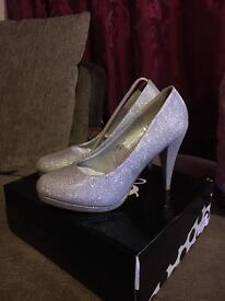 Gorgeous ladies size 7 silver glitter shoes BNIB