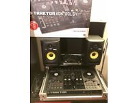Traktor Kontrol S4. Flight case. 2x KRK Rokit 5 Speakers.