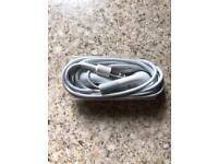 Apple headphones series 1