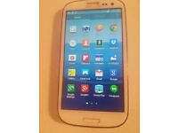 SAMSUNG S3 WHITE AND UNLOCK TO ALL NETWORK