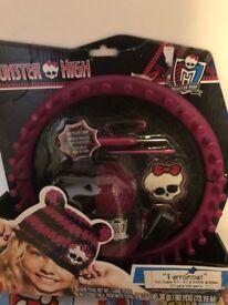 Monster High Furrocious Knit Beanie Kit - NEW