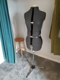 Adjustible tailor's dummy on stand
