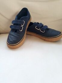 Navy blue canvas loafer shoe, size 13