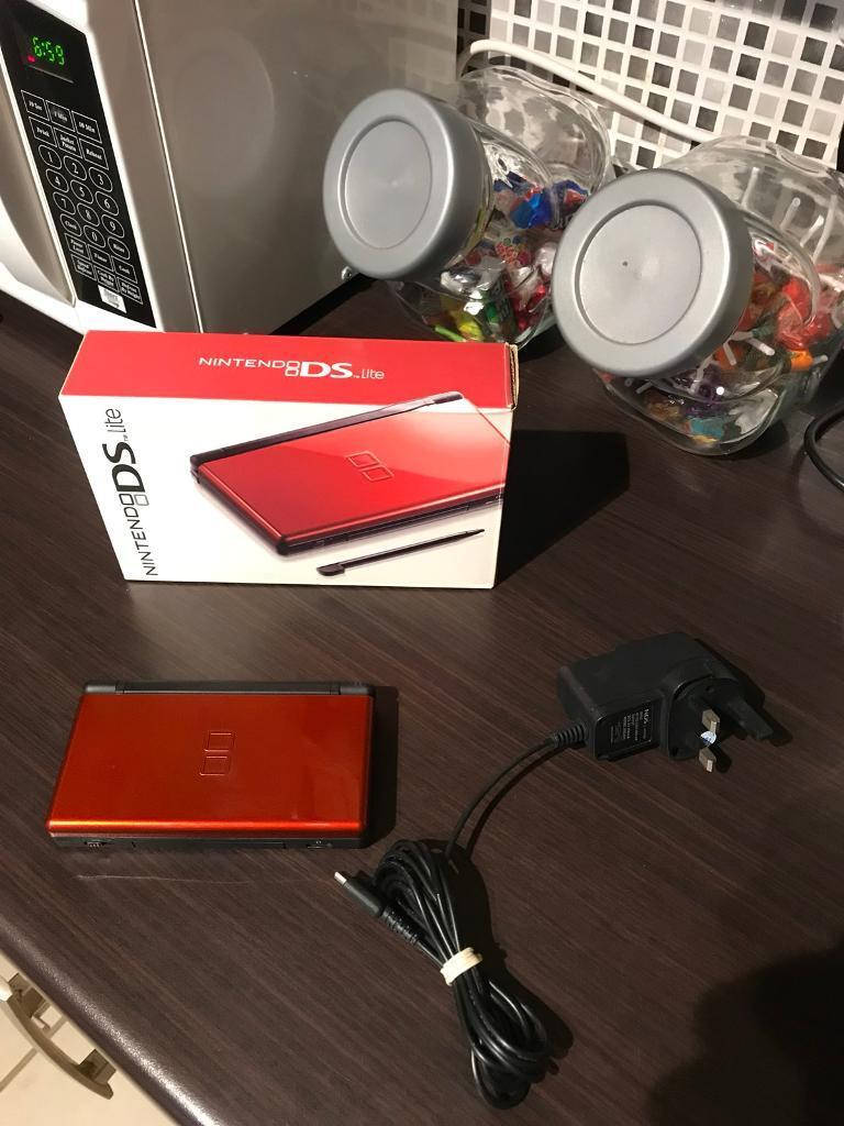 Nintendo DS Lite in Red