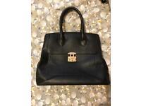 Ladies black handbag -excellent condition