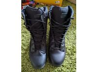 Hi Tec Magnum Response II 8 Inch Boot - Size 10 - Excellent Condition, only been worn twice