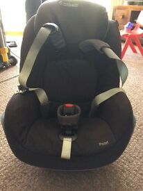 Maxi Cosi Black Pearl car seat & Familyfix isofix base (pick up only)