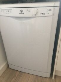 4month old indesit dishwasher. Perfect working order. Immaculate condition .