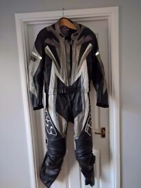 IXS Mens two piece leathers