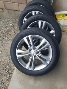 LIKE NEW HYUNDAI SONATA  2018 FACTORY ALLOY WHEELS WITH HIGH PERFORMANCE  215 / 55 / 17 ALL SEASON TIRES
