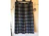 Ladies black ckeck pleated skirt,