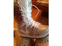 Nike size 4 snowboard boots: never worn!!