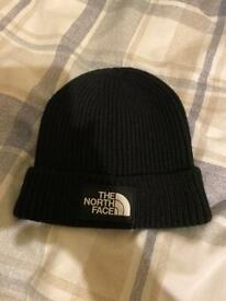 The North Face Tammy hat. New without tags.