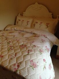 Sanderson Country Flowers Bed Linen and Matching Curtains