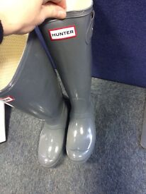 Size 4 Women's New Grey Hunter Wellies with defects