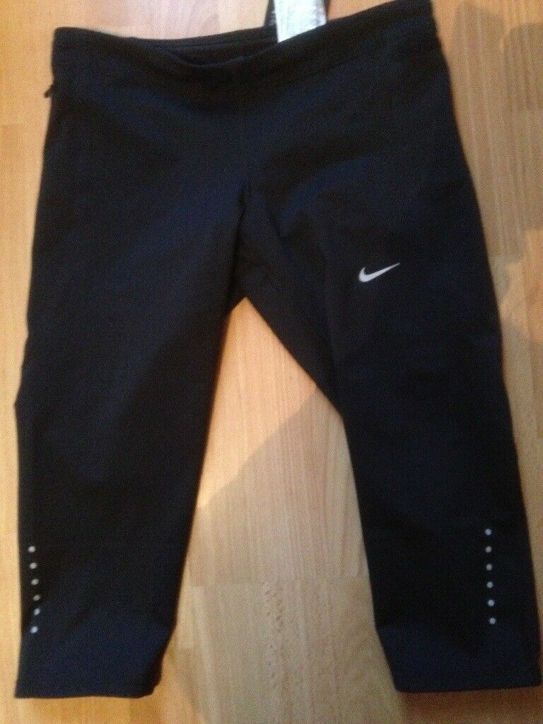 b2c45a340705 Women s Nike Capri length running bottoms size small brand new with tags