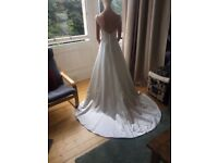 Stunning boat-neck wedding dress (never been worn) - size 8-10