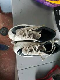 Kids size 13 nike football boots