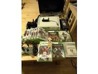 Xbox 360 Bundle+ 3 gamepad controllers