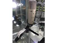 Behringer C-3 mic microphone with stand