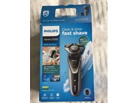 Philips Series 5000 S5530/06 Wet & Dry Shaver Almost Unused