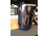 Apple Mac Pro Late 2013 256GB SSD 16GB Ram 3.7GHz Quad Core Xeon E5 AMD D300 x2