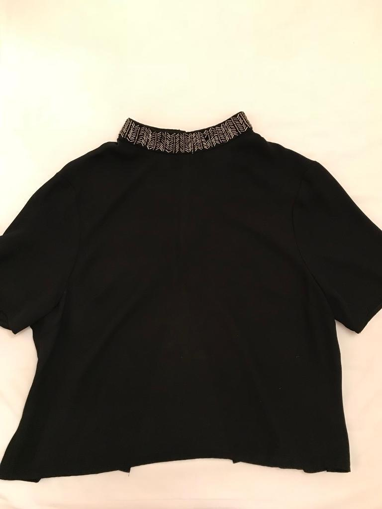 Urban Outfitters top size L