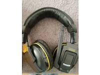 Corsair h2100 7.1Dolby wireless headset for pc