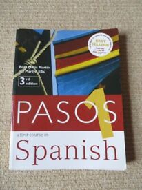 Pasos 1: Student Book: A First Course in Spanish By Martyn Ellis, Rosa Martín