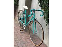 Vintage Peugeot ladies road racing touring city town bike - near new condition