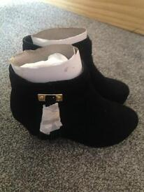 Girls black suede river island boots