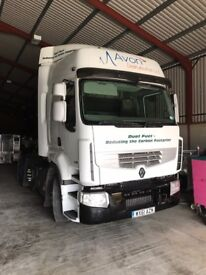 Renault 460 Duel fuel tractor unit